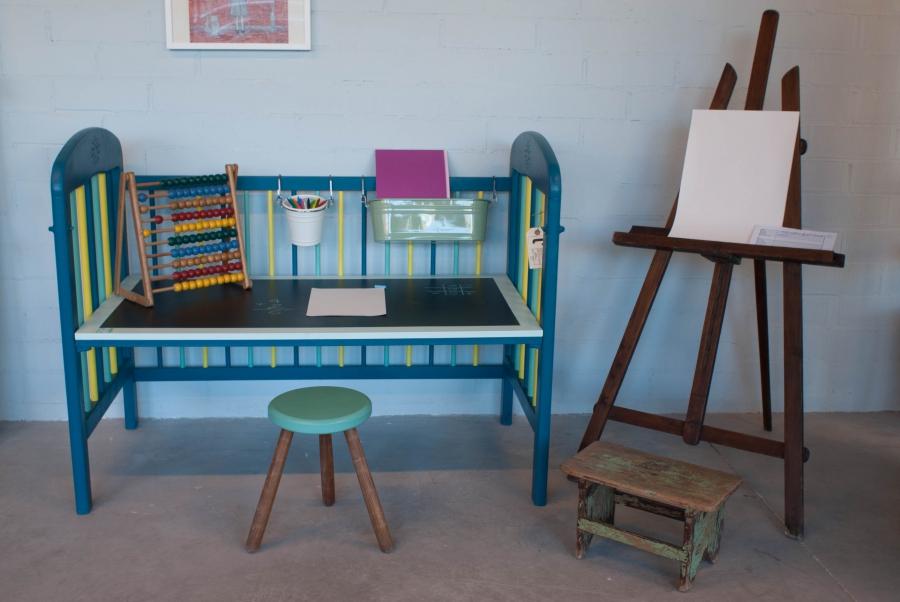 C mo reciclar una cuna de beb for Como reciclar un escritorio de madera